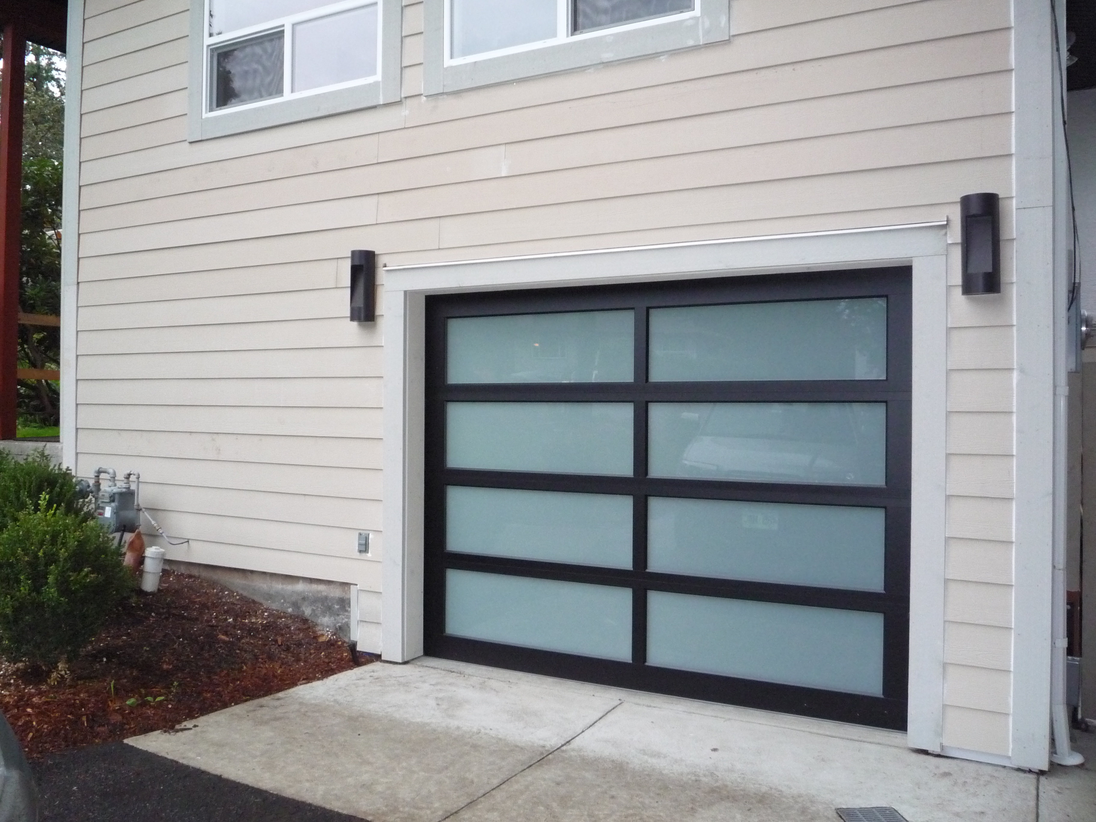 Aluminum Garage Doors : Full view aluminum harbour door