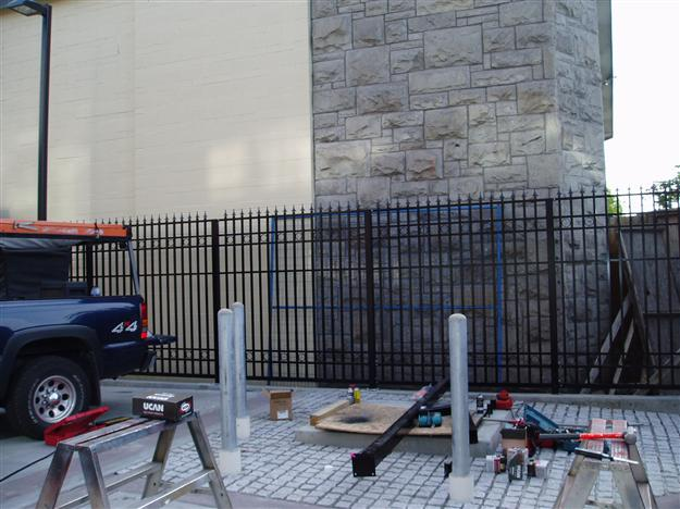 FS 06 Commercial custom security fencing with decorative spears and circles