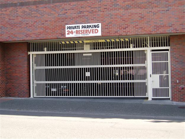 PD02 Three piece aluminum parkade gate with pedestrian gate