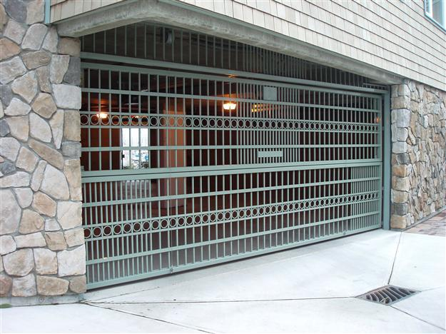 PD13 Custom two piece aluminum parkade gate with decorative accents