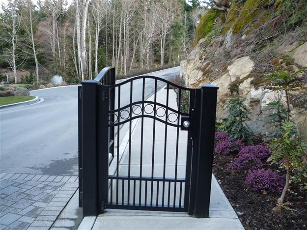 PG 06 - Locking ped gate to match double swing gate, mounted on steel posts, for gated community