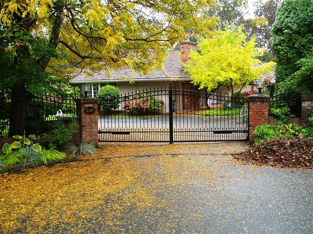 SWG 19 Aluminum gate style 14 with matching custom security fencing