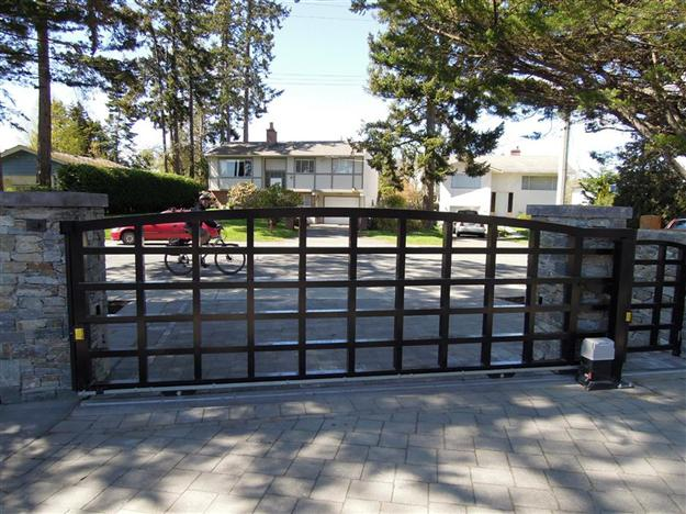 Sliding Custom aluminum gate fabricated with 2x3 and 3x3 tubing