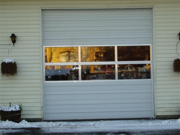 17 Commercial door with 2 full view alumimum sections