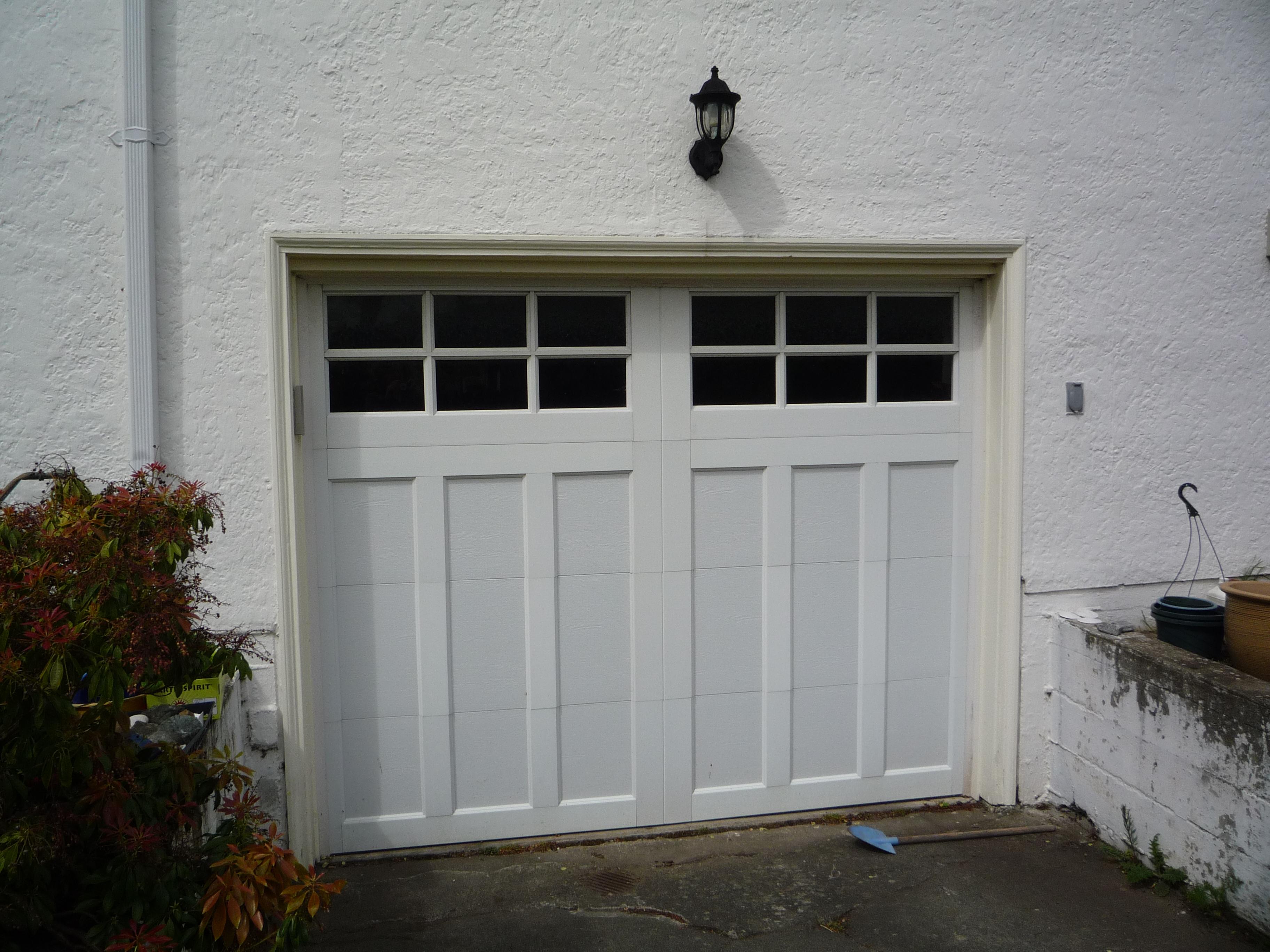 Cc16 Clopay Coachman Door Model 13 With Sq 23 Glass Harbour Door