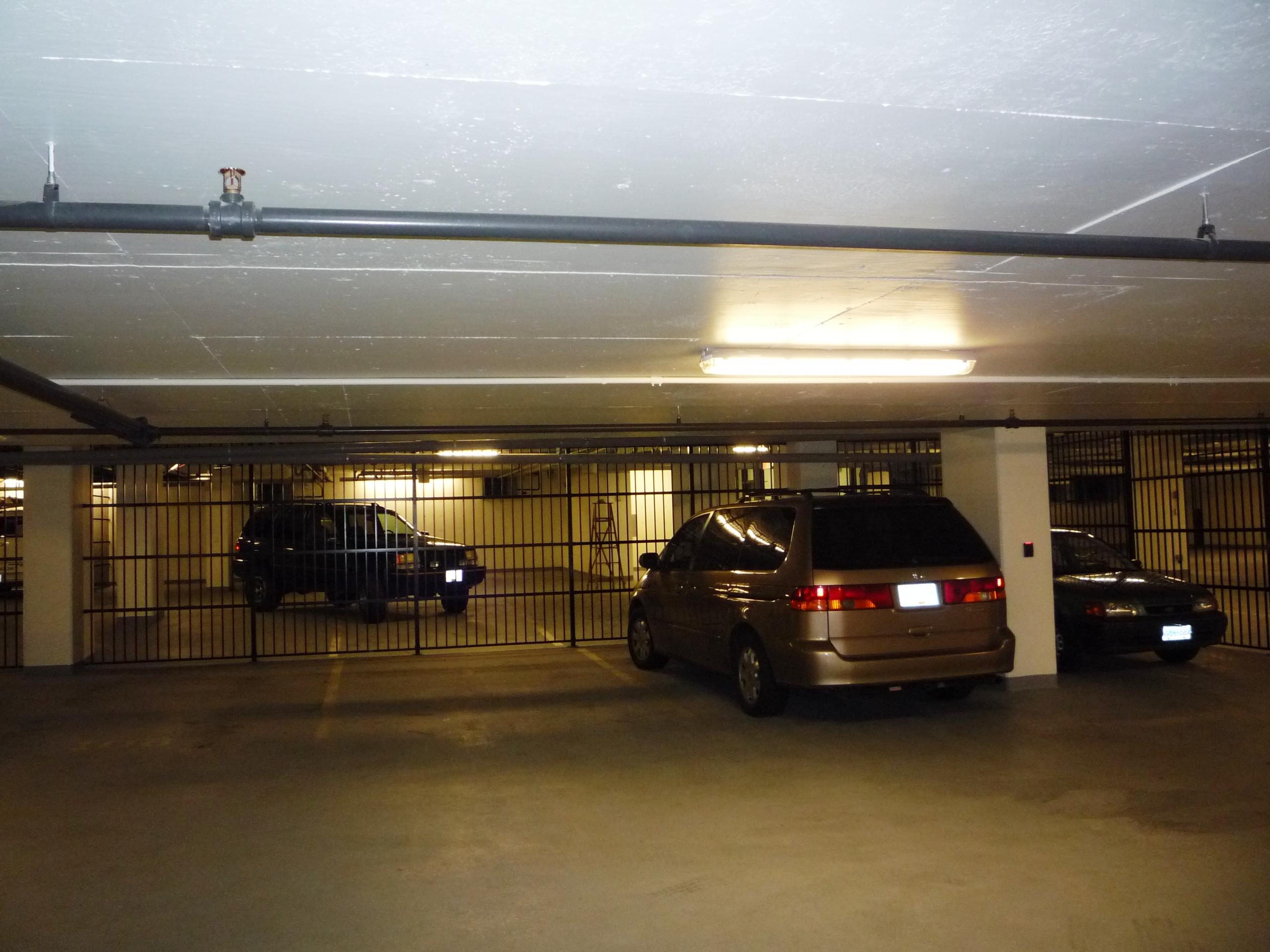 Se14 Aluminum Infill In Underground Parkade To Separate