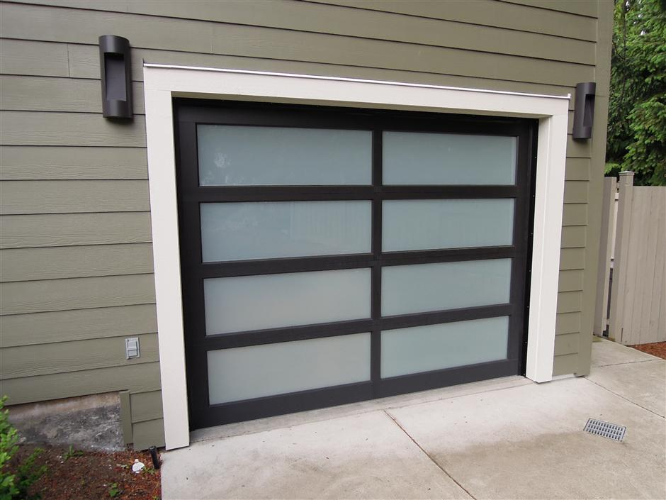 Modern Classic Black Anodized Aluminum Frame With White