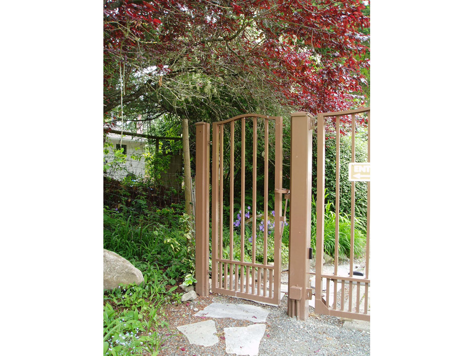 PG02 Garden Gate Style Pedestrian Gate to Match Double Swing Gate, Mounted on Steel Posts