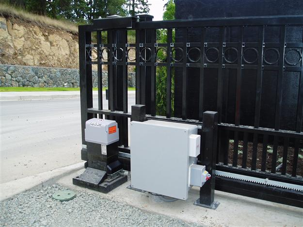 SC 06 Cantilever gate and operator with control box mounted on custom stand