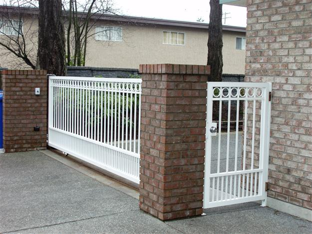 SG 12 Sliding aluminum gate with ground track matching pedestrian gate